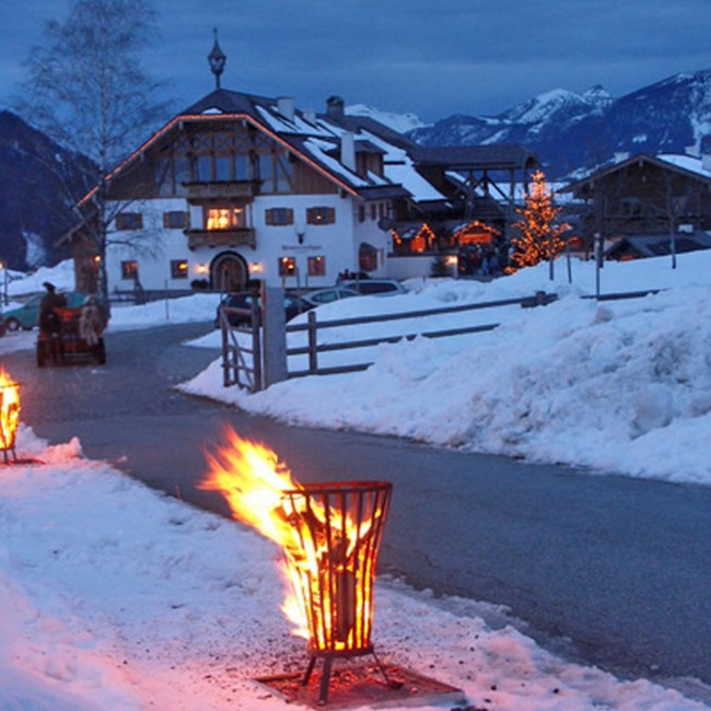 The Advent market high above the Lammertal is illuminated at Christmas time ©TVB Annaberg-Lungötz