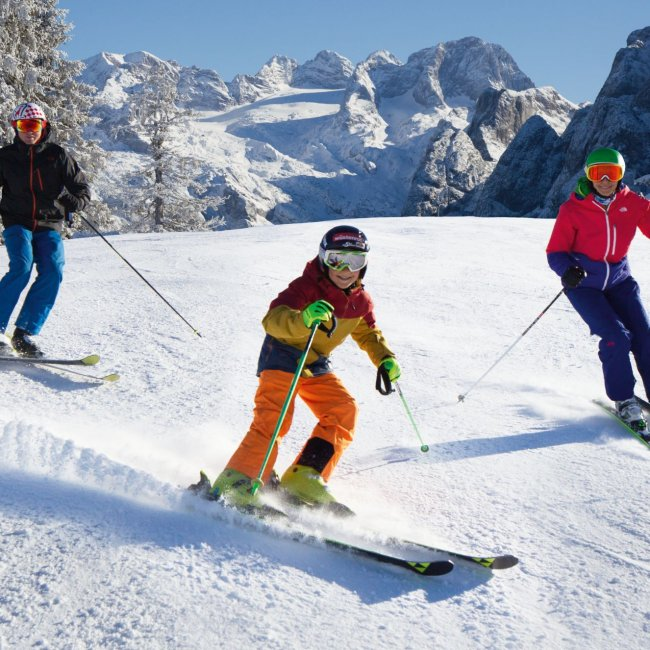 Skiing in Skiregion Dachstein West